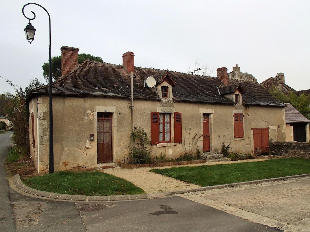 Maison avant travaux à Lurais